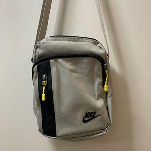 Nike crossbody zipper bag.